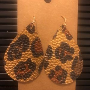 Jewelry - Leopard faux leather earrings